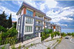İstanbul House'dan, Sahilde, Güvenlikli Sitede, 160m2, Bahçe Katı