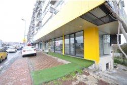 İstanbul House'dan,Küçükcekmece E-5 Üzerinde, 100m2, Satılık Dükkan