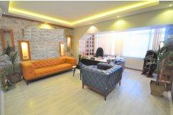 İstanbul House'dan İncirli Caddesi Üzeri 4+1, 200m2, Satılık Tadilatlı Ofis.