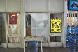 İstanbul House'dan, Yeşilköy'de, Pasaj İçinde, 20m2, Fırsat Dükkan